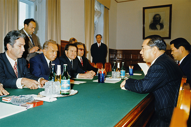 Ikeda and Soviet Premier Aleksey Kosygin at the Kremlin-Moscow 1974