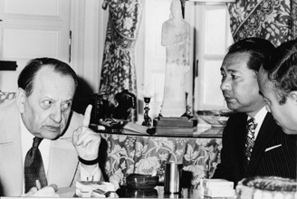 Ikeda with French author and statesman André Malraux in Paris, 1975. Ikeda has met and held dialogues with some 1,600 individuals in diverse fields of endeavor
