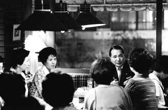 Together with his wife, Kaneko, Ikeda met with and encouraged members privately